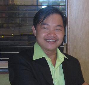 Trưởng đại diện phân phối mũ trôm Trần Mạnh Tùng