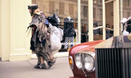 Ông lão ăn xin và đại gia chạy Rolls Royce
