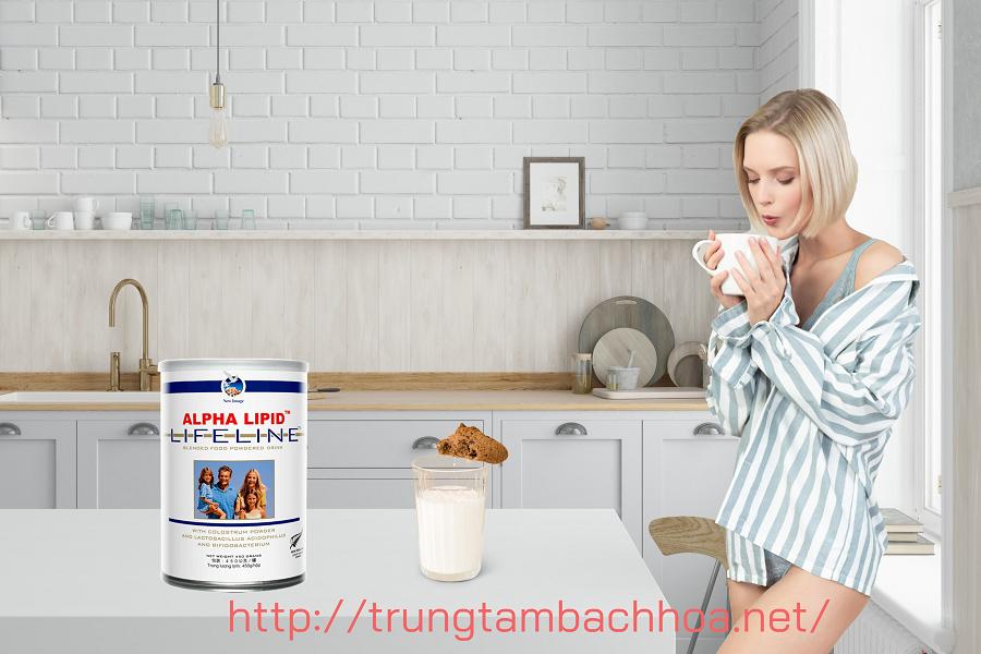 Tắm xong và uống sữa non Allpha lipit