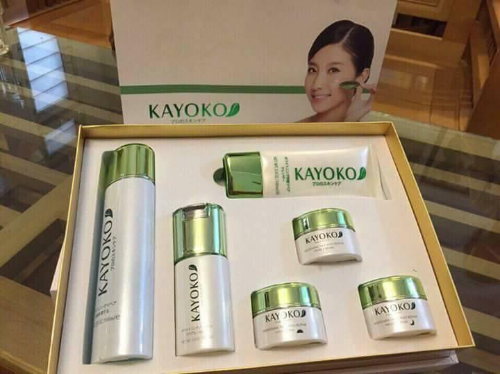 Bộ mỹ phẩm Kayoko 6 in 1 trong kho